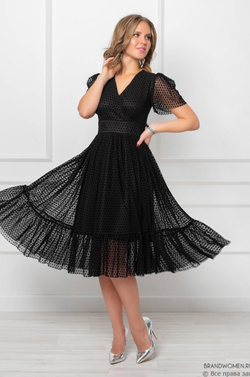 Платье-миди с воланом и V-образным вырезом
