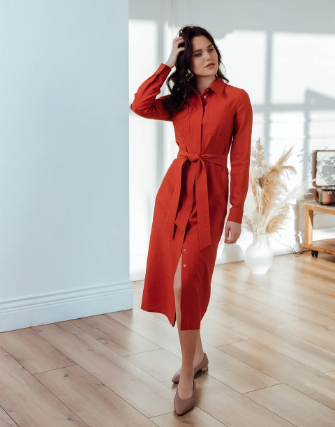 Платье-рубашка длины миди с поясом