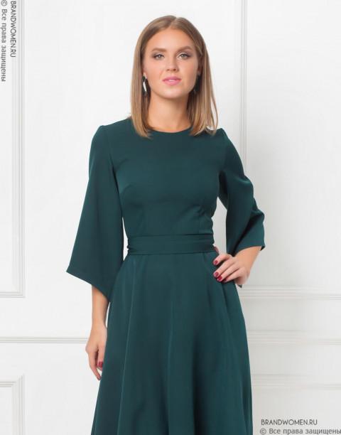 Платье-миди с ассиметричными рукавами