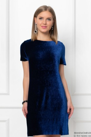 Бархатное платье длины мини