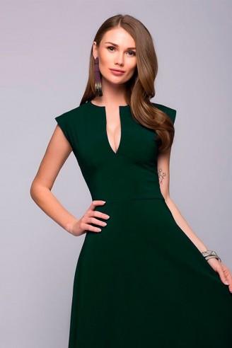 Платье длины макси с глубоким декольте