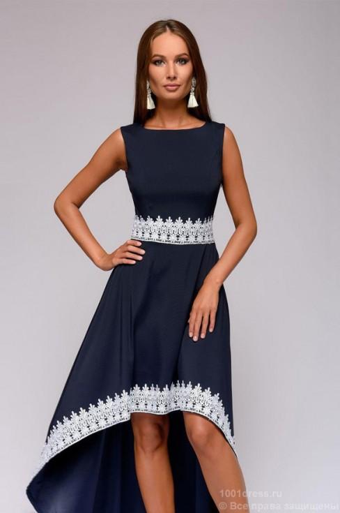 Разноуровневое платье с контрастной кружевной отделкой