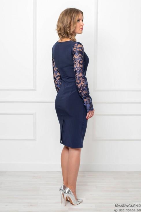Платье-футляр с кружевными рукавами