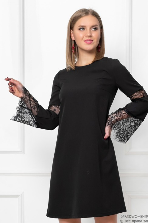 Платье-мини с кружевными вставками на рукавах