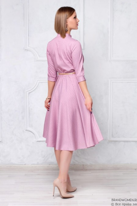 Платье длины миди на пуговицах