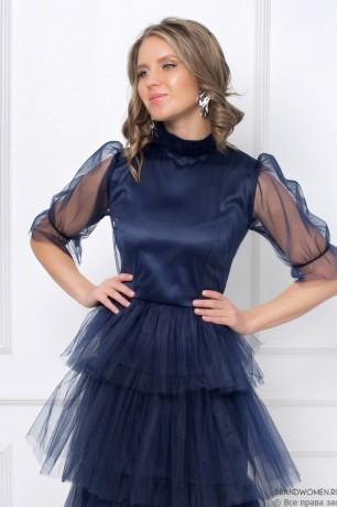 """Многослойное платье-миди с воротником """"стойка"""""""