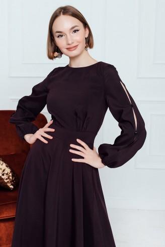 Платье-миди с разрезами на рукавах