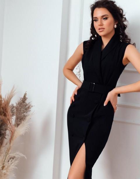 Двубортное платье без рукавов с поясом