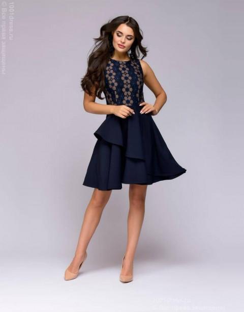 Платье длины мини с кружевным верхом