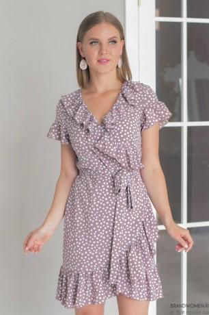 Платье в горох на запах с короткими рукавами