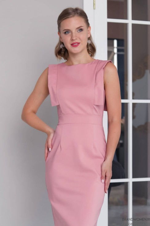 Платье-футляр с декоративной отделкой