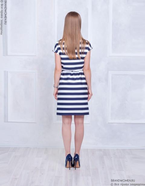 Платье в широкую полоску с ремнем