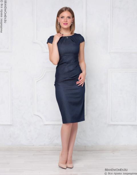 Платье-футляр с защипами