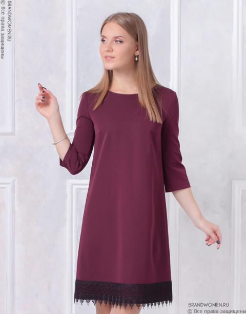 Платье-трапеция с кружевом на подоле