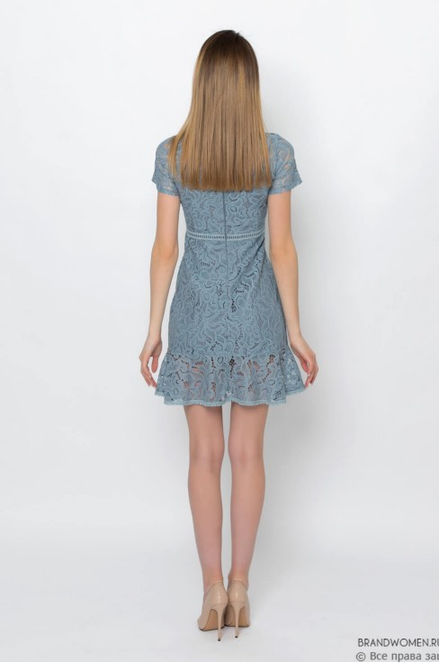 Кружевное платье-мини с короткими рукавами
