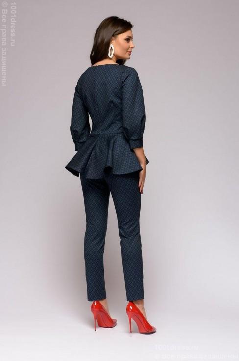 Комплект из брюк и кофты с баской