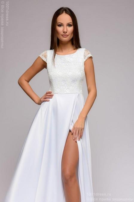 Платье в пол с разрезом на юбке