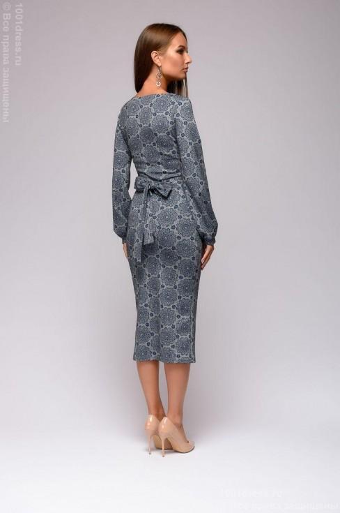 Платье с принтом и длинными рукавами
