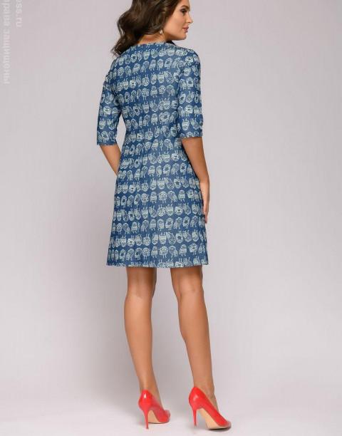 Джинсовое платье-трапеция с принтом
