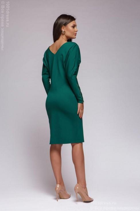 Трикотажное платье с вырезом на спине