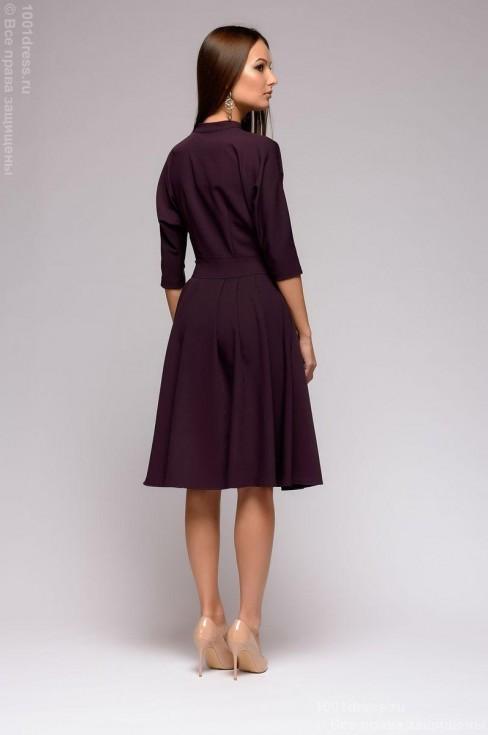 Платье-миди с воротником-стойкой и свободным верхом