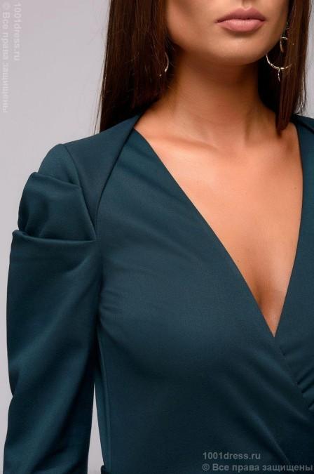 Платье-футляр с декоративными складками на плече