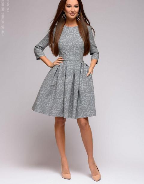 Платье-мини с принтом и юбкой со складками