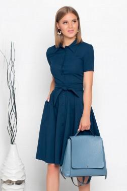 Платье-рубашка длины миди на пуговицах