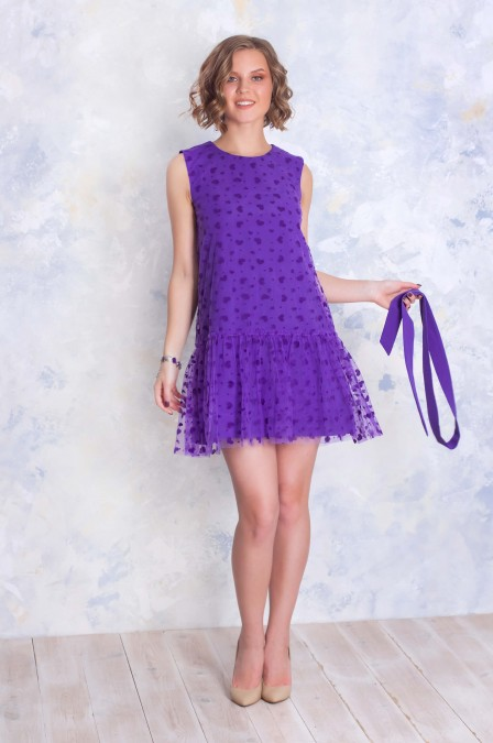 Платье-мини без рукавов и воланом на юбке