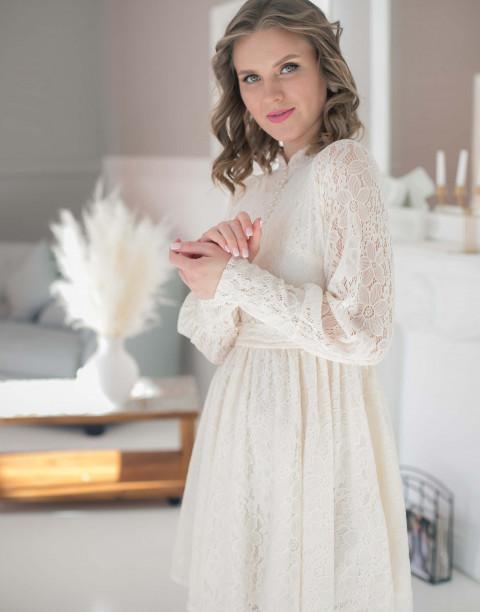 Кружевное платье-мини с длинными рукавами