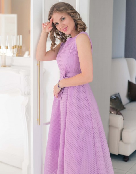 Платье-миди из фактурной ткани