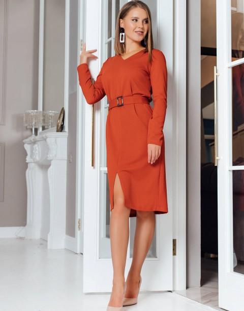 Платье-футляр с разрезом спереди