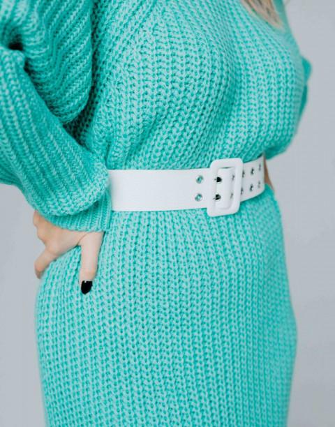 Вязаное платье с длинными рукавами