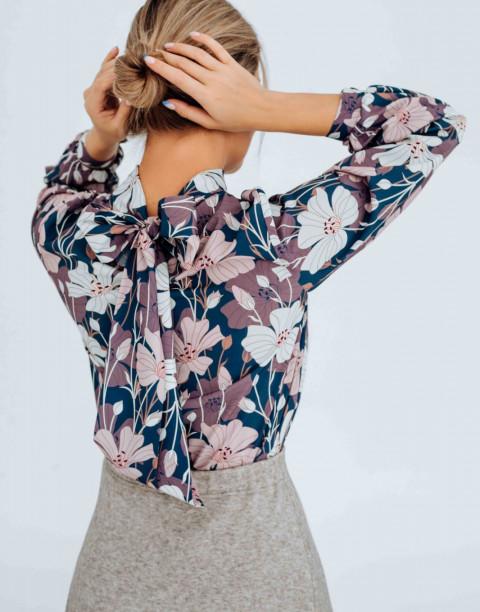 Блуза с бантом и манжетами