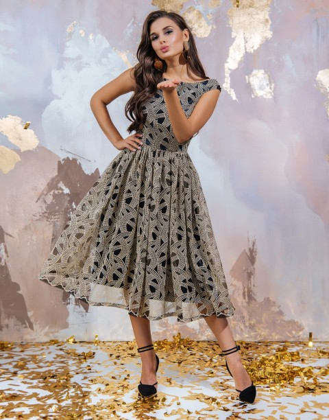 Платье-миди с золотой вышивкой