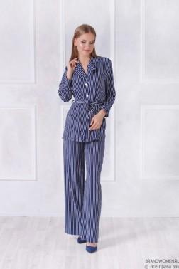 Брючный костюм в пижамном стиле в полоску